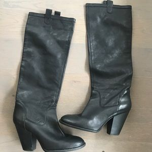 Vince Camuto size 9 1/2 great condition